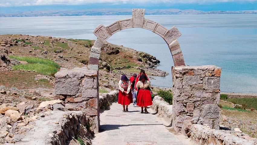 Tour Puno - Isla Amantani 4 días y 3 noches